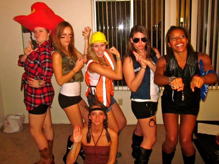 college halloween party ideas